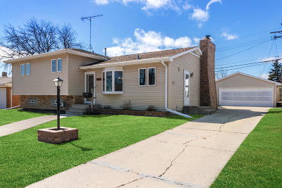 Kenosha Single Family Home Active Contingent With Offer: 5814 43rd Ave