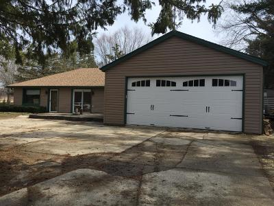 New Berlin Single Family Home For Sale: 4940 S Small Rd
