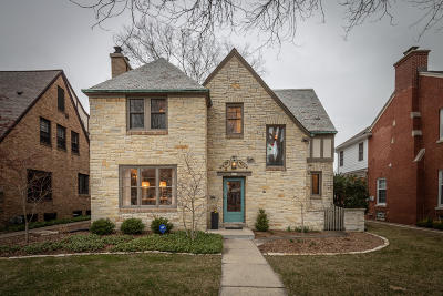 Milwaukee County Single Family Home Active Contingent With Offer: 5359 N Berkeley Blvd