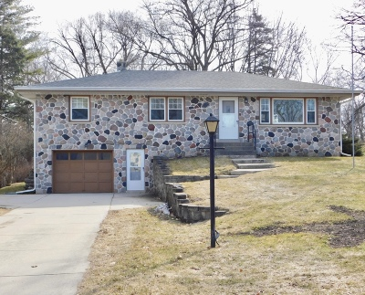 Menomonee Falls Single Family Home Active Contingent With Offer: W169n8654 Sheridan Dr