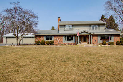 Cedarburg Single Family Home For Sale: 11556 Hidden Valley Dr