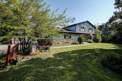 Mukwonago Single Family Home Active Contingent With Offer: S85w30540 Stoneridge Dr