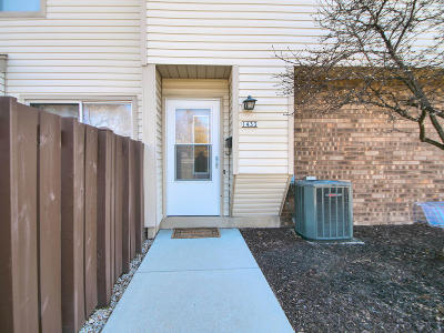 Kenosha Condo/Townhouse Active Contingent With Offer: 1433 30th Ave