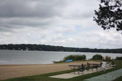 Racine County Condo/Townhouse For Sale: 3405 S Browns Lake Dr #16