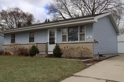 West Bend Single Family Home Active Contingent With Offer: 968 Birchwood Dr
