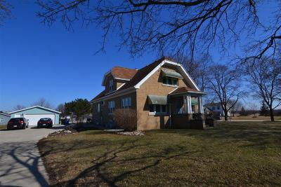 Oak Creek Single Family Home Active Contingent With Offer: 10444 S 27th St