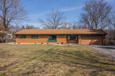 Mequon Single Family Home Active Contingent With Offer: 1704 W El Rancho Dr