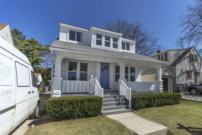 Milwaukee Single Family Home Active Contingent With Offer: 3200 S Vermont Ave