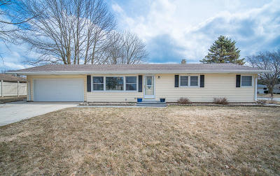 Port Washington Single Family Home Active Contingent With Offer: 1302 Theis Ln