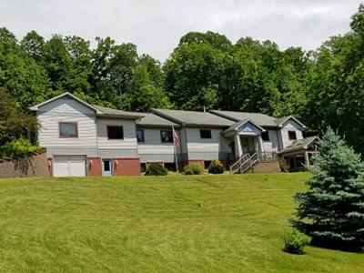 Onalaska Single Family Home For Sale: N5550 Moos Rd