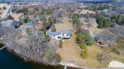 Oconomowoc Single Family Home Active Contingent With Offer: 725 S Waterville Lake Rd
