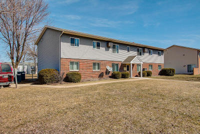 Jefferson Multi Family Home Active Contingent With Offer: 623 Parkwood Ln