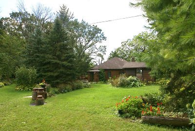 East Troy Single Family Home For Sale: N8203 Pleasant Hill Ln