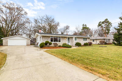 Oconomowoc Single Family Home Active Contingent With Offer: N50w35261 Wisconsin Ave
