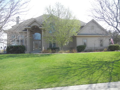 Muskego Single Family Home Active Contingent With Offer: S96w12751 Walter Hagen Dr