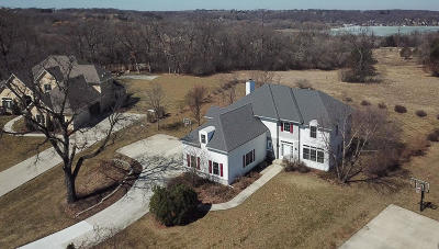Pewaukee Single Family Home Active Contingent With Offer: N16w29926 Brookstone Cir