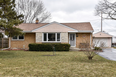 Greenfield Single Family Home Active Contingent With Offer: 4424 S 62nd St