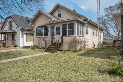 Kenosha Single Family Home Active Contingent With Offer: 6213 33rd Ave