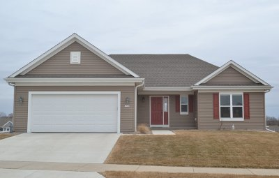 West Bend Single Family Home Active Contingent With Offer: 1560 Whitewater Dr