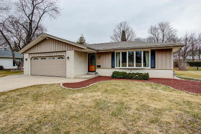 Greendale Single Family Home Active Contingent With Offer: 5717 Rochelle Dr
