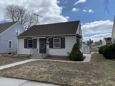 Sheboygan Falls Single Family Home Active Contingent With Offer: 337 Prospect Ave