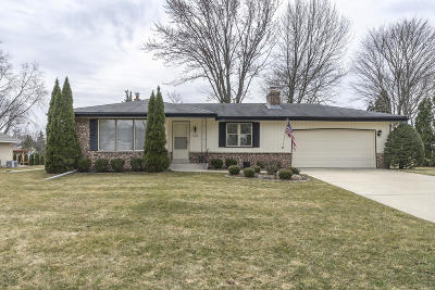 Franklin Single Family Home Active Contingent With Offer: 10565 W Candlestick Ln