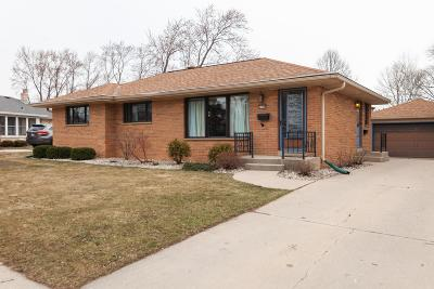 West Allis Single Family Home For Sale: 2590 S 91st St