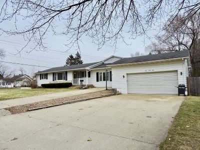 Delavan Single Family Home For Sale: 1298 Center St