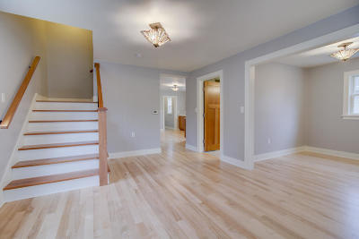 Port Washington Single Family Home Active Contingent With Offer: 458 W Chestnut St