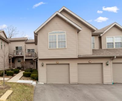 Lake Geneva Condo/Townhouse Active Contingent With Offer: 500 S Edwards Blvd #19