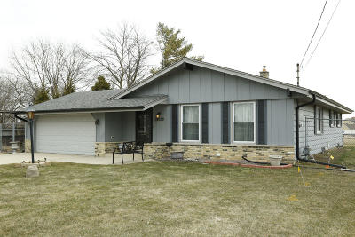 Oak Creek Single Family Home Active Contingent With Offer: 10120 S Chicago Rd
