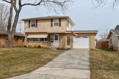 South Milwaukee Single Family Home Active Contingent With Offer: 814 Manitowoc Ave