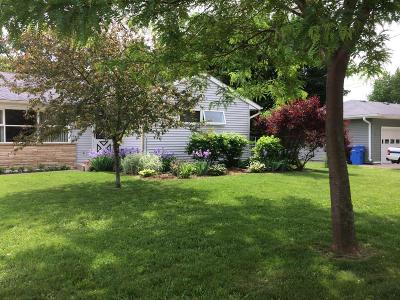 Watertown Single Family Home Active Contingent With Offer: 239 E Spaulding St