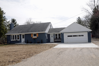 Muskego Single Family Home Active Contingent With Offer: S81w12667 Hi View Dr