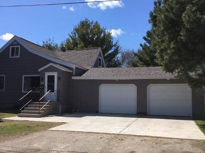 Menominee Single Family Home For Sale: 3407 11th St