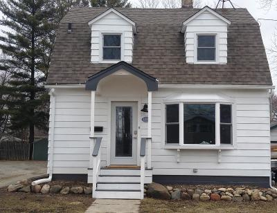 Watertown Single Family Home Active Contingent With Offer: 1215 S 9th St