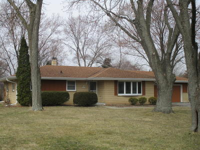 Germantown Single Family Home Active Contingent With Offer: W154n10057 Moonlite Dr