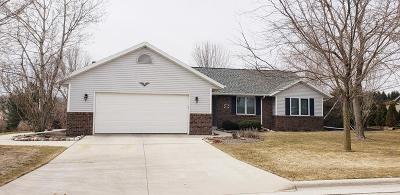 Sheboygan Falls Single Family Home Active Contingent With Offer: 215 Westridge Dr