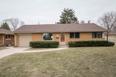 West Allis Single Family Home Active Contingent With Offer: 7237 W Cleveland Ave
