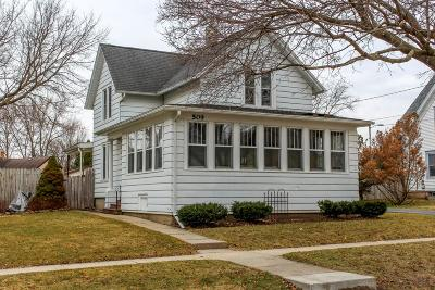 Fort Atkinson Single Family Home Active Contingent With Offer: 509 Van Buren St