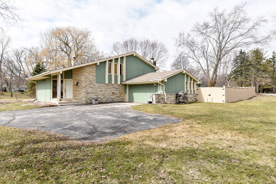 Cedarburg Single Family Home Active Contingent With Offer: 1565 Sherwood Dr