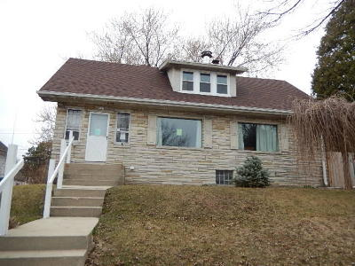 West Allis Single Family Home For Sale: 2045 S 92nd St
