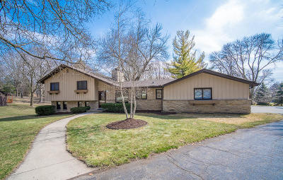 Brookfield Single Family Home Active Contingent With Offer: 18505 Bonnie Ln