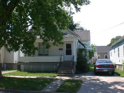 Menominee Single Family Home For Sale: 1319 13th Ave