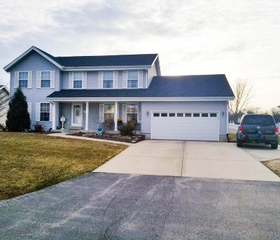 Racine Single Family Home Active Contingent With Offer: 6354 New Castle Ln