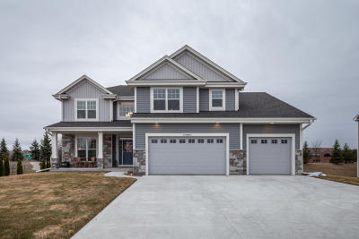Washington County Single Family Home Active Contingent With Offer: W175n9937 Wendy Ln