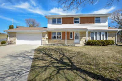 Greendale Single Family Home Active Contingent With Offer: 5037 Spruce Ct