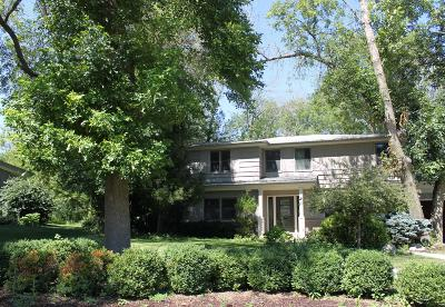Milwaukee County Single Family Home For Sale: 340 W Indian Creek Ct