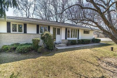 Brookfield Single Family Home Active Contingent With Offer: 3980 Brook Ln