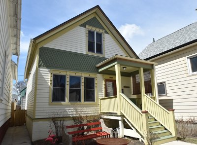 Milwaukee Single Family Home Active Contingent With Offer: 2249 S Aldrich St